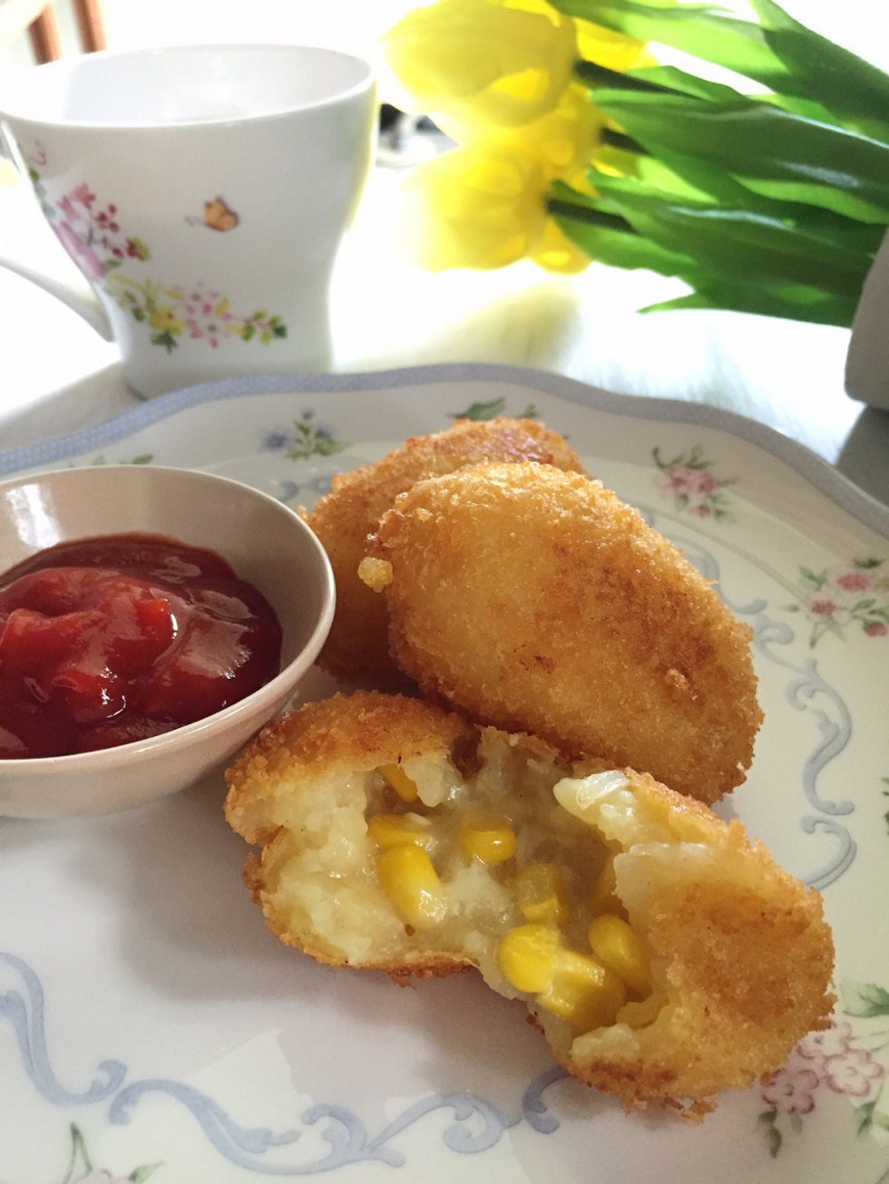 Cheesy Corn Croquettes